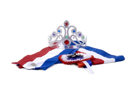Sterke vrouw koningin beatrix huis van belle - Geloof spiegel keuken ...