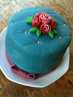 Cupcakes versieren met marsepein deel 1 huis van belle for Versiering taart zelf maken