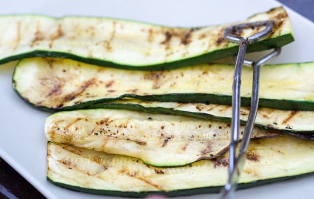 bbq-gegrilde-courgette