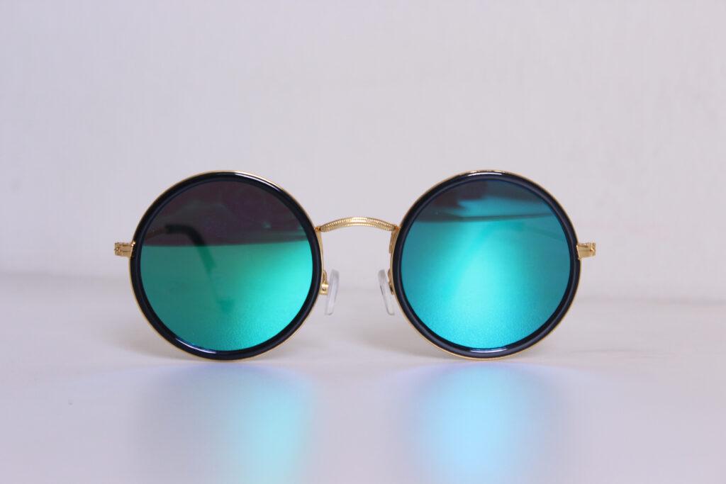 Zonnebril Met Kleine Ronde Glazen.Deze Zonnebrillen Draag Je In De Zomer Van 2018 Huis Van Belle